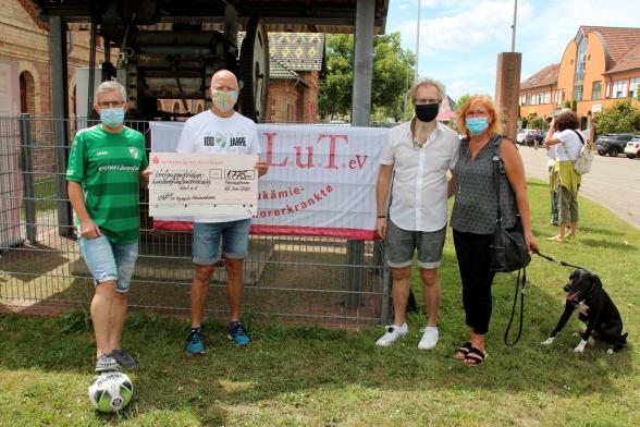 SV Olympia Rheinzabern spendet für Svenja